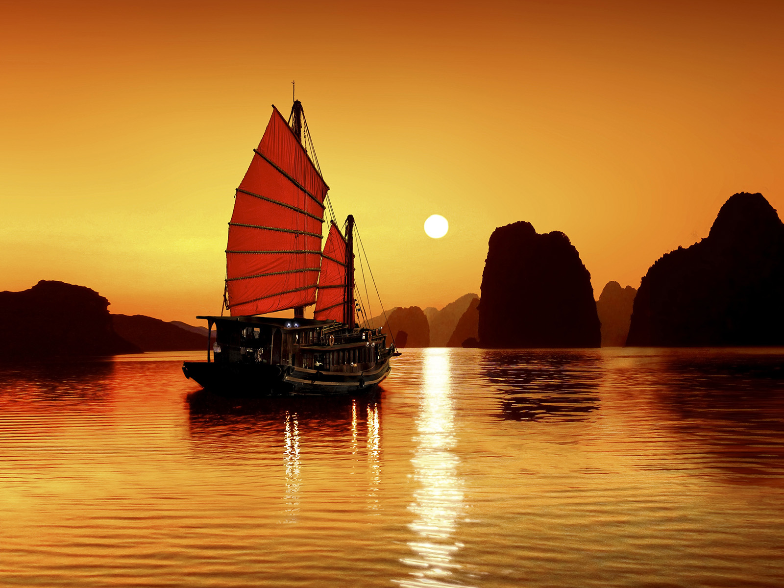 Overnight Boat Cruise on Halong Bay